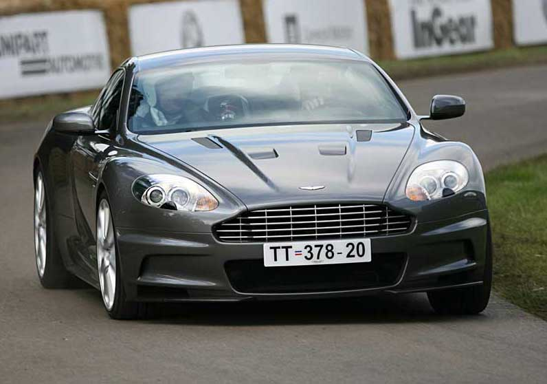 aston martin dbs v12 fiche technique prix performances. Black Bedroom Furniture Sets. Home Design Ideas