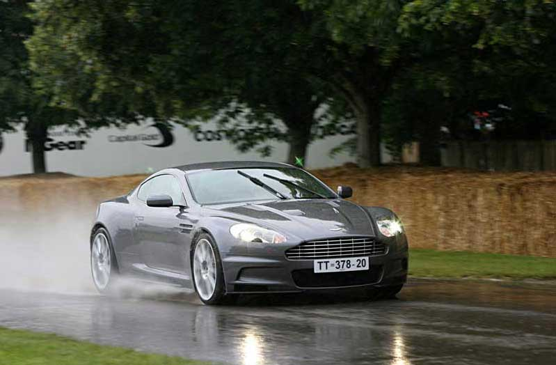 aston martin dbs v12 fiche technique prix performances